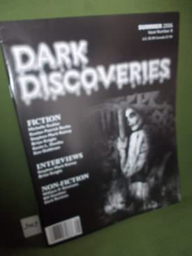 Book cover ofDark Discoveries no 8