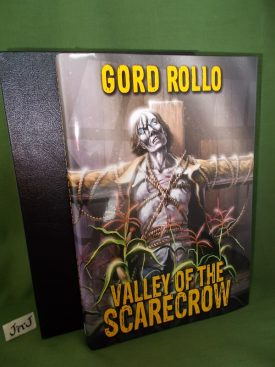 Book cover ofValley Scarecrow Lettered
