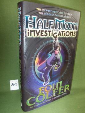 Book cover ofHalf Moon Investigations