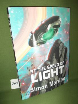 Book cover ofAt the speed of light PB