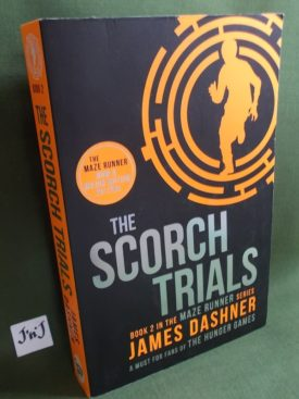 Book cover ofThe Scorch Trials pb