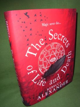 Book cover ofThe Secrets of Life and Death