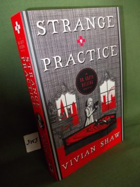 Book cover ofStrange Practice