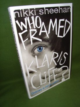 Book cover ofWho Framed Klaris Cliff