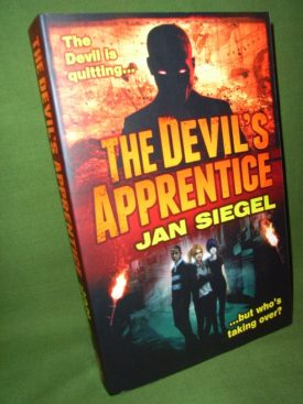 Book cover ofThe Devils Apprentice