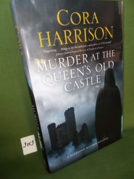 Book cover ofMurder at the Queens Old Castle