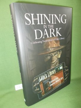 Book cover ofShining in the Dark