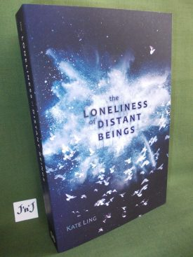 Book cover ofThe Loneliness of Distant Beings