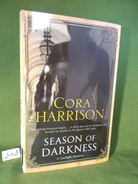 Book cover ofSeasons of Darkness