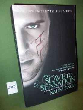 Book cover ofSlave to Sensation
