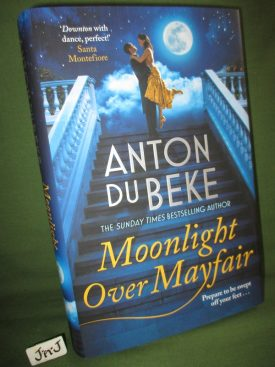 Book cover ofMoonlight over Mayfair